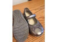 Clarks children's shoes infant size 4-8