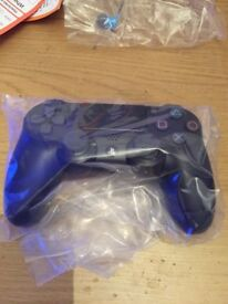 PS4 controller black, NEW AND SEALED