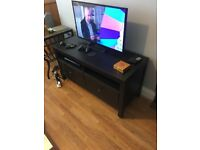 Sony 1080p 32 inch HD TV with TV stand