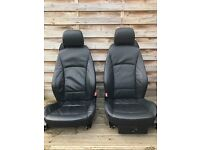 Z4 BMW car seats black leather in very good condition