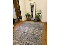 Ivory / Blue power loom rug