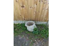 REMAINING AVAILABLE: 3 Garden pots - concrete -log effect