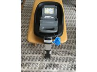 Isofix carseat base for maxi cosi pebble and Pearl car seats