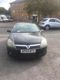 05 Vauxhall Astra 1.7 mot till February 18, fully service history