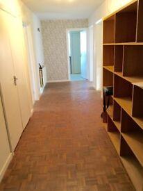 Lovely spacious light 2 bedroom flat