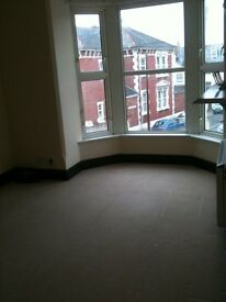 GROUND FLOOR 2 BEDROOM FLAT IN SOUTHSEA...5 MINS FROM BEACH/SHOPPING CENTRENO AGENCY OR ADMIN FEE'S