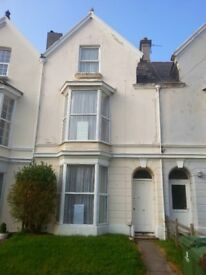 Property to let - 6 bedrooms - Close to the university