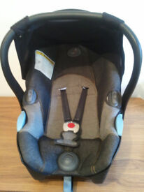 BABY CAR SEAT, MAMMA CANGURA, BELLELLI WITH HOOD, UNIVERSAL, SUITABLE FROM NEW BORN TO 15 MONTHS OLD
