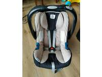 Britax Baby Safe Shr ii Car Seat & 2 Bases