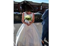 Lightweight petticoat including hoop