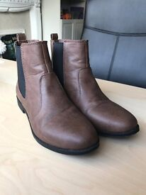 LIKE NEW-H&M Boots