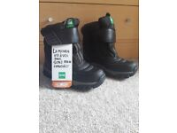 Cougar Snow Boots (size 3)
