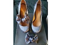 Kurt Geiger Shoes (size 5)