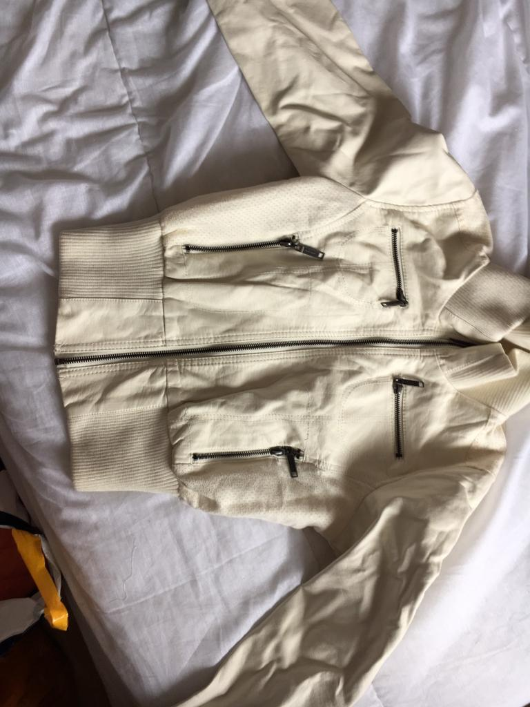 White leather jacket brand newin Gilmerton, EdinburghGumtree - Brand new white leather jacketFrom tk maxxNever wornSize small 8/10