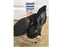 Totectors Ladies Protective Boots. Size 6, Style 3701