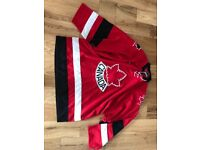 Ice hockey top. Canada. XL