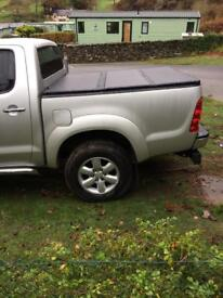 Toyota Hilux Tonneau Pick Up Cover