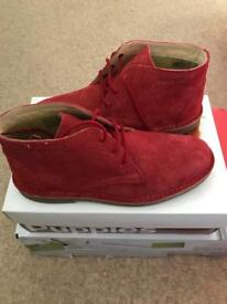 Brand New Hush Puppies Boots size 37