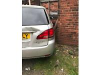 Toyota Avensis verso 2:2 diesel breaking for parts