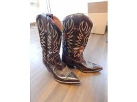 TWO PAIRS OF WESTERN MENS BOOTS SIZE 8