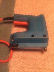 Electrical stapler