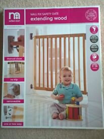 Mothercare wall fix safety gate wood
