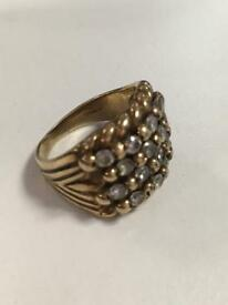 4 row 9ct gold keepers ring