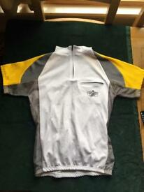 Women's cycling shorts and shirr