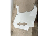 Genuine Fender Jazz scratchplate, white, made in Japan