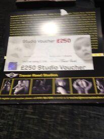 £250 VOUCHER FOR TREVOR REED PHOTOGRAPHY STUDIO