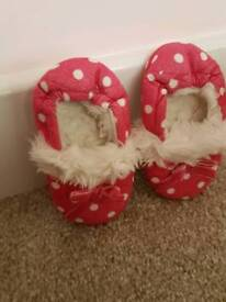 Pink infant Slippers: size 6