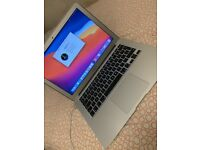 Apple Macbook Air Core i5 256gb SSD