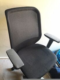 Solid Office chair joy 12 good gondition