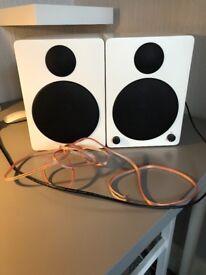 wavemaster CUBE white - 2.0 Bluetooth Bookshelf Speaker