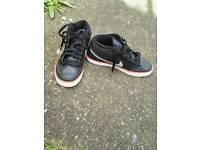 Black nike trainers