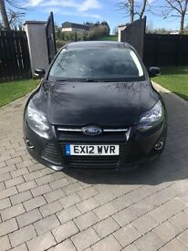 ZETEC Ford focus black 1.6 dtci alloy wheels electric windows and aircon