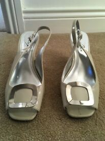 Lunar ladies cream patent sling back wedge shoes size 39.