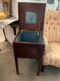 Vintage Sewing Workbox