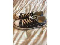 Women's converse with flower design size 6