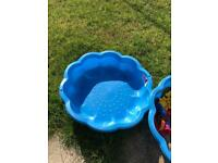 Urgent! Blue round flower/shell shape kids sand pit with lid