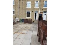2 BED HOUSE ,NEW CARPETS NEWLY DECORATED. BIRKBY