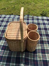 picnic basket with bottle holder