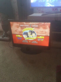 "for sale 22"" hd lcd widescreen tv with freeview and dvd playr no remote £25"