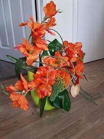 Beautiful Artificial Flowers with vase arrangement (NEW)