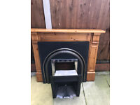 Complete fire surround for a gas fire