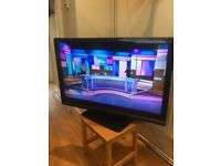 """CAN DELIVER- TOSHIBA 37"""" 1080p HD LCD TV & FREE-VIEW EXCELLENT CONDITION"""