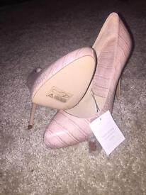 Brand new with tags Zara heels. Size 5. £35