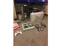 Xbox one S 1 TB EDITION + Games