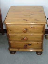 Ducal 3 drawer bedside cabinet with bun feet