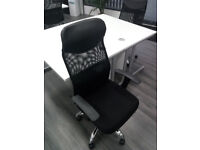 Office Desk and Chairs for sale x4